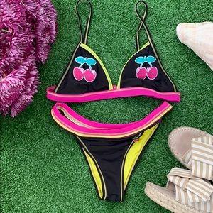 ☀️ 🌊 RARE Bikini Set 🍒